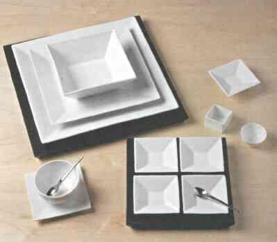 Различные изделия из фарфора, сформованные и обожженные при температуре 1400 °С. Дизайн: фарфор Пордамса