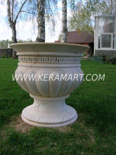 Уличный вазон с геометрическим орнаментом. Изготовлено на гончарном круге из керамики.
