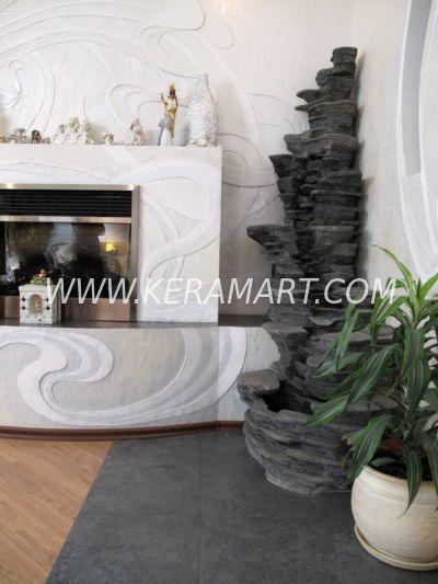 Пристенный напольный декоративный домашний водопад. Скалы, темный камень. Материал - керамика.