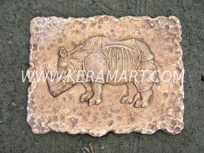 Настенная плакетка с изображением носорога
