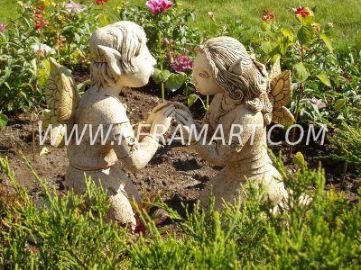 Садовые скульптуры - влюбленные эльфы. Керамика.