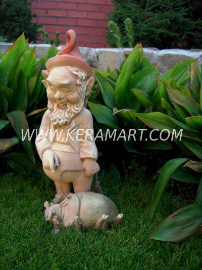 """Садовый гном """"Гном с жуком"""", скульптура из керамики """"Керам-Арт"""""""