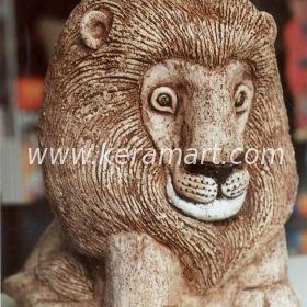 Сувенир - фигурка льва