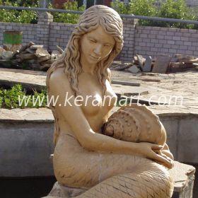 Садовый декоративный фонтан со скульптурой русалки
