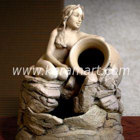 Настольный декоративный фонтан  со скульптурой красивой молодой девушки, сидящей у ручья - Мастерская художественной керамики