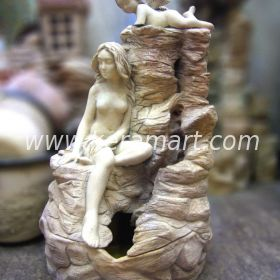 Декоративный фонтан со скульптурной композицией